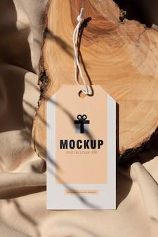 Mockup für kleideretiketten zum aufhängen