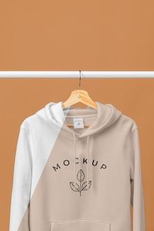 Mockup hoodie hautnah