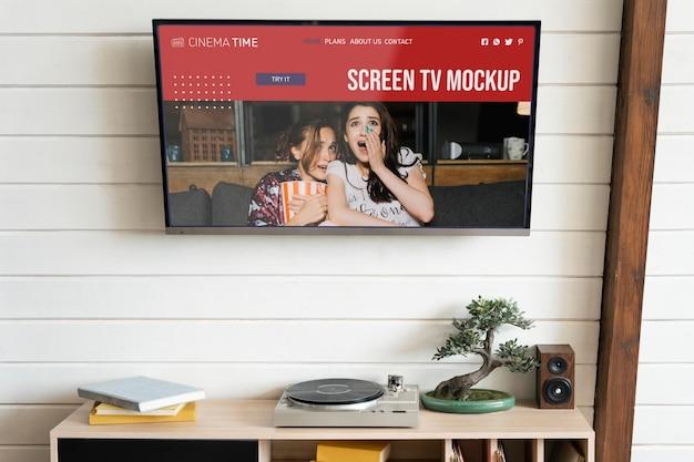 Mockup-tv-bildschirm an einer wand