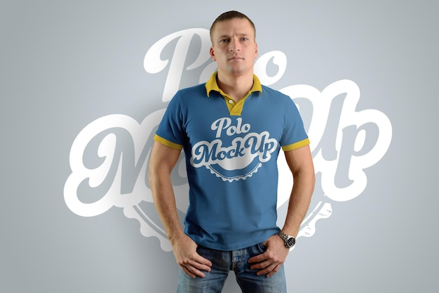 Mockups polo t-shirts auf dem mann