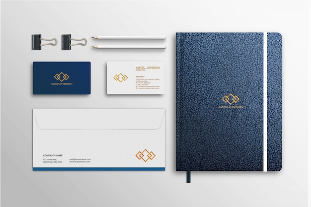 Modell von visitenkarte, briefkopf und notizbuch