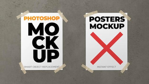 Modell von zwei plakaten auf einer betonwand