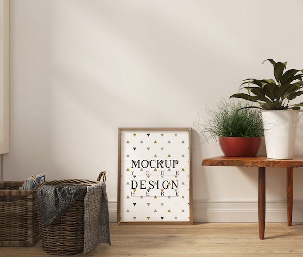 Modellplakat im modernen weißen wohnzimmer mit bank und dekoration