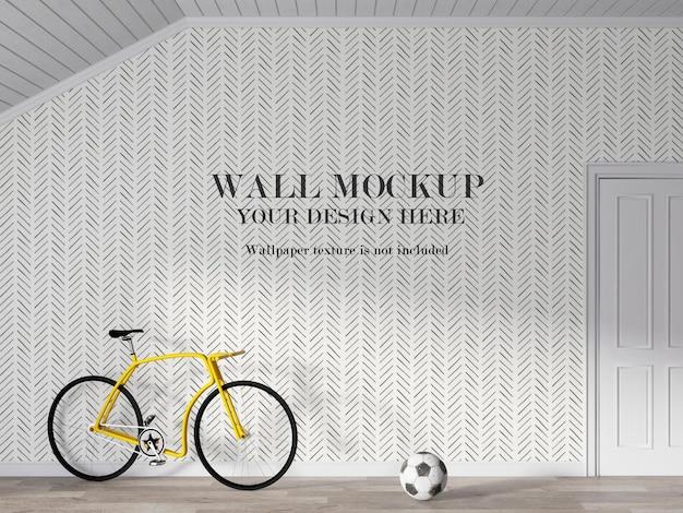 Modellwand hinter dem fahrrad mit minimalistischen möbeln