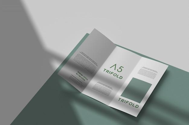 Modernes dreifach gefaltetes broschürenmodell