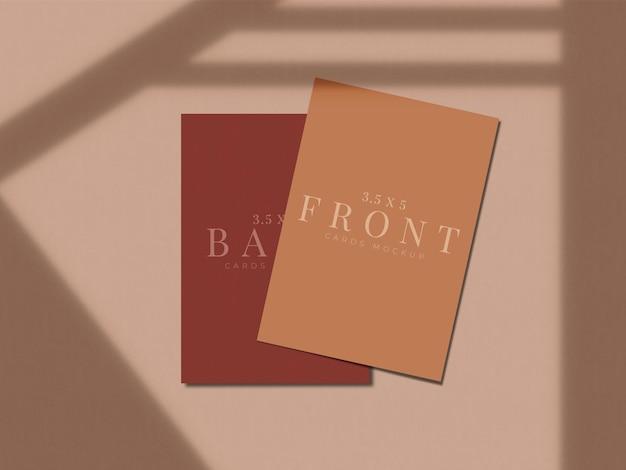 Modernes visitenkarten-mock-up-design für präsentationsbranding, corporate identity, persönlich mit schattenüberlagerung