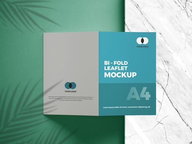 Nahaufnahme auf bifold mockup-broschüre
