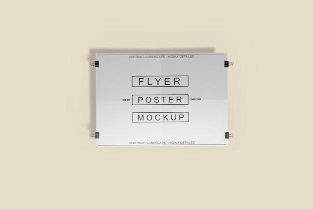 Nahaufnahme auf flyer poster mockup isolated