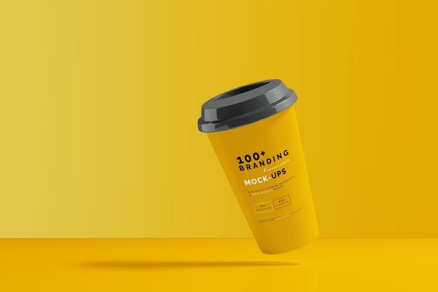 Nahaufnahme auf verpackung des kaffeetassenmodells