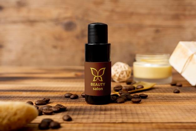Natürliches kosmetisches produkt der schönheit am badekurort