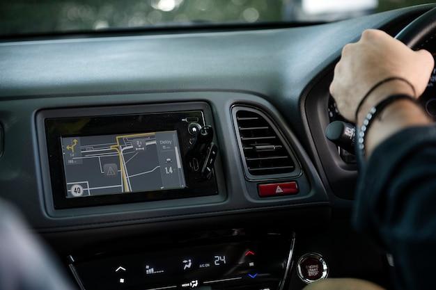 Navigation in einem auto