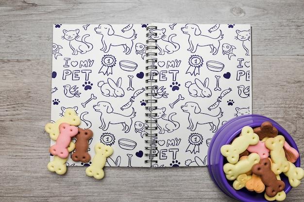 Notebook-modell mit hundekonzept