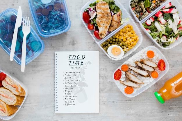 Notizbuchmodell mit essenszubereitung