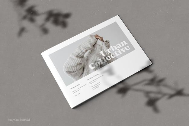 Perspektivische ansicht der broschüren- und katalogmodellabdeckung im querformat