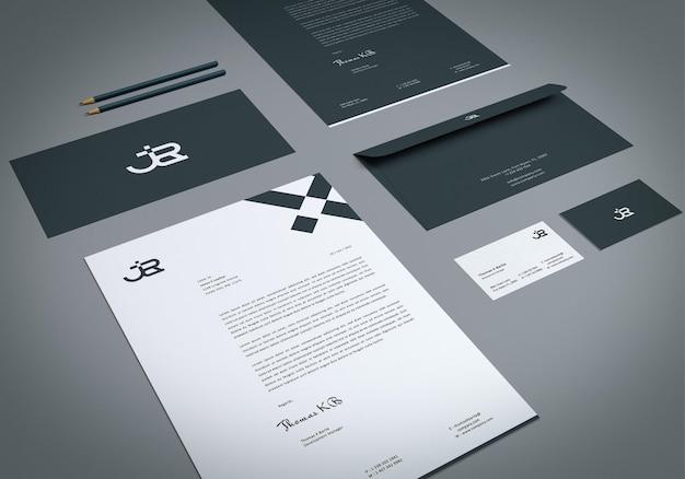 Perspektivische ansicht identitäts-branding-briefpapierset-mockup