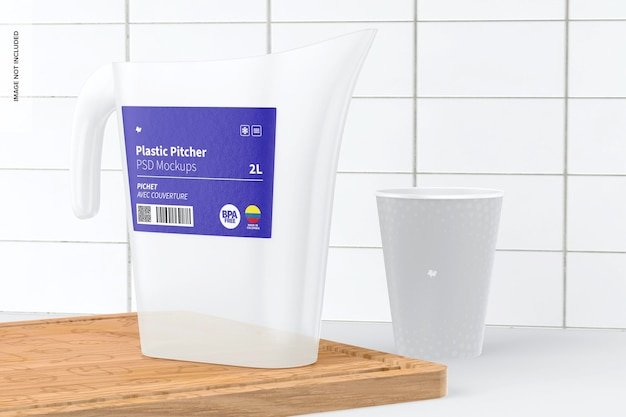 Plastikkrug mit wandmodell