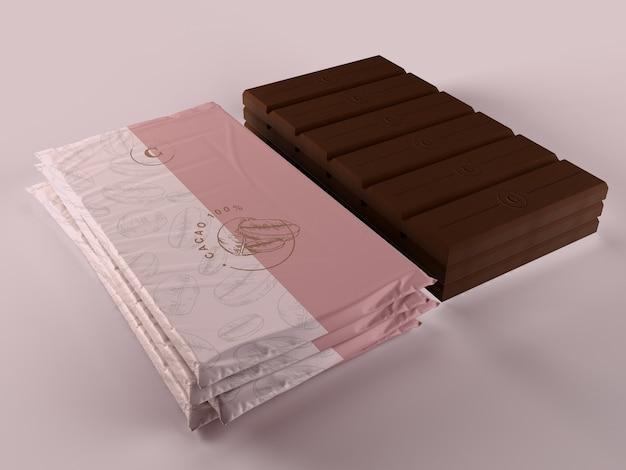 Plastikschokolade, die modell einwickelt