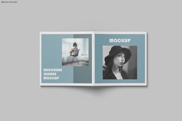 Quadratische broschüre und katalogmodell isoliert