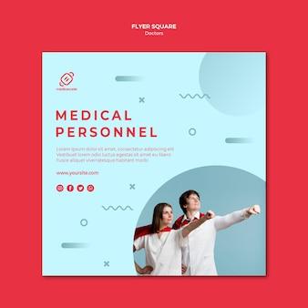 Quadratische flyer-vorlage für heldenhaftes medizinisches personal