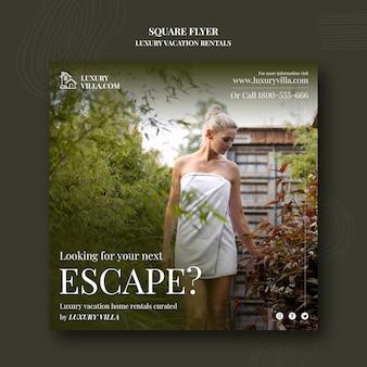 Quadratische flyer-vorlage für luxus-ferienwohnungen