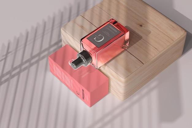 Quadratische parfümflasche mit box mockup