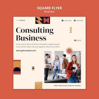 Quadratischer flyer für unternehmensberatung
