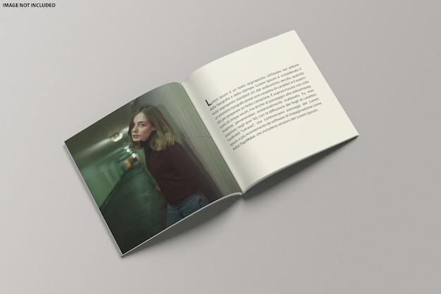 Quadratischer katalog open mockup