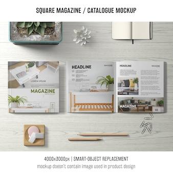 Quadratisches magazin oder katalogmodell mit stillleben von oben