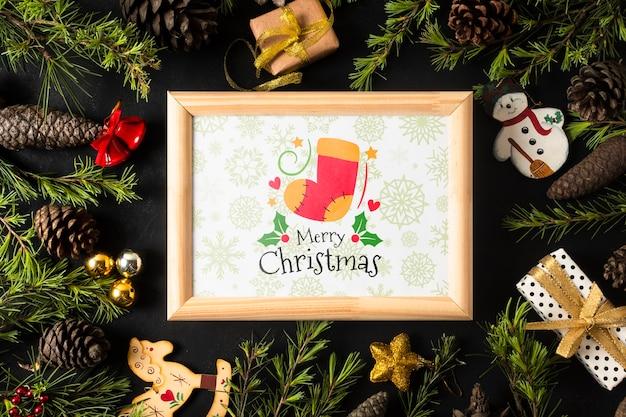 Rahmen mit weihnachtsmotiv auf krone