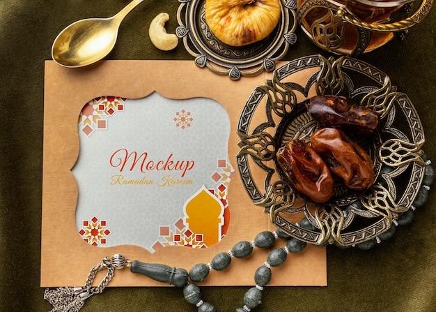 Ramadan-druck und feigenmodell