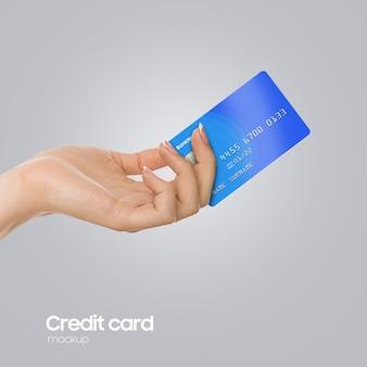 Realistische plastikkarte an hand mockup