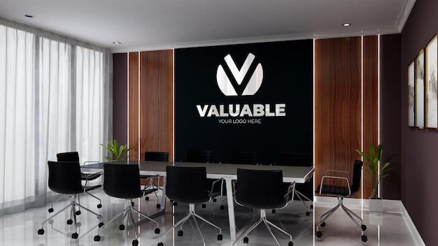 Realistisches 3d-wandlogo-mockup im bürogeschäfts-besprechungsraum