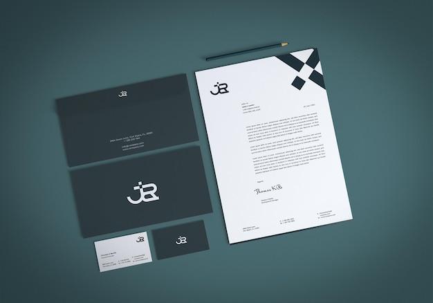 Realistisches briefpapierset-mockup-design