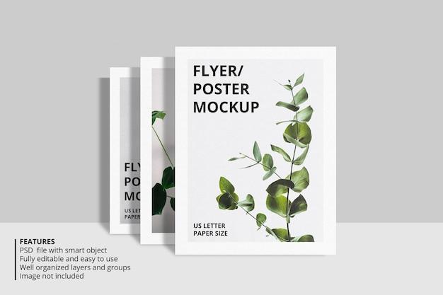 Realistisches modelldesign für papier- oder flyerbroschüren