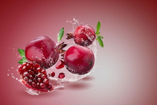Reife granatapfelfrucht auf rotem grund.