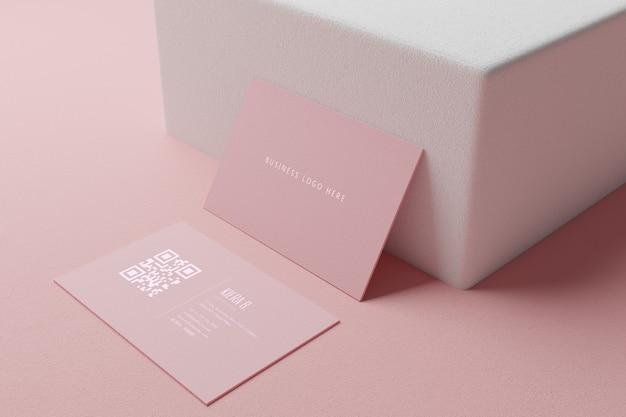 Rosa pastell-visitenkartenpapier-modellschablone mit leerraumabdeckung