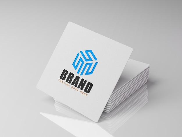 Sauberer hintergrund der weißen quadratischen karte des logomodells