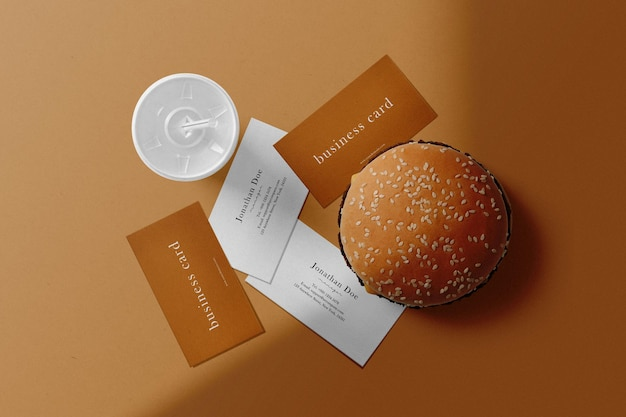 Sauberes minimales visitenkartenmodell mit burger