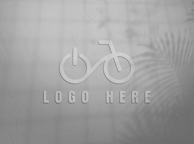 Schließen sie oben auf logo-modellentwurf in der wand
