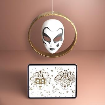 Schöne weiße maske der hohen ansicht mit schwarzem design