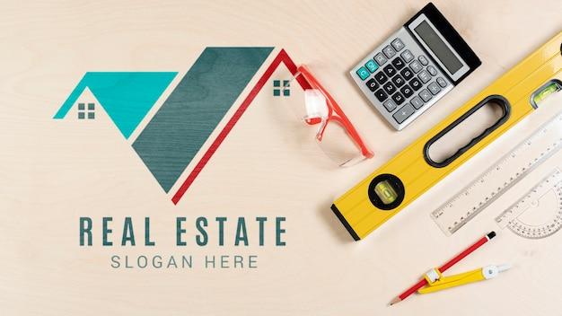 Schreibwaren mit immobilien-logo