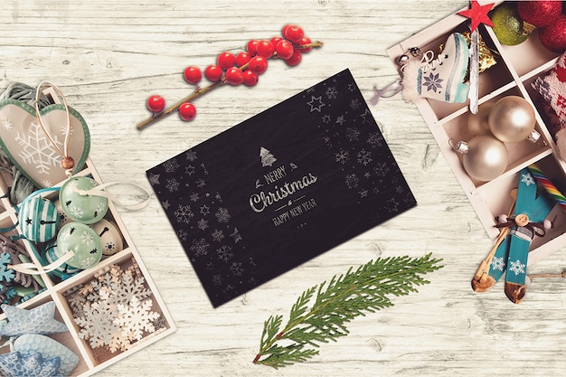 Schwarze karte mit weihnachtsdesign