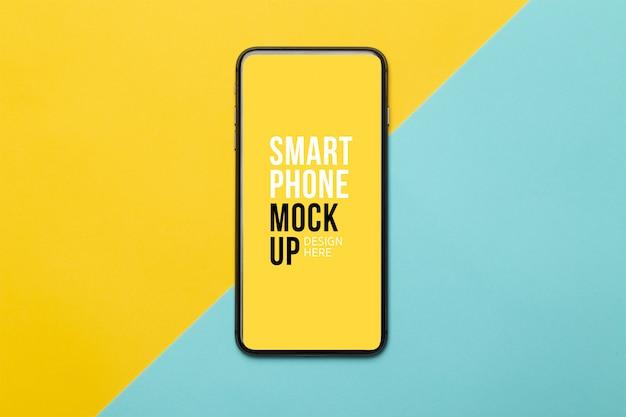 Schwarzes smartphone mit bildschirmmodell