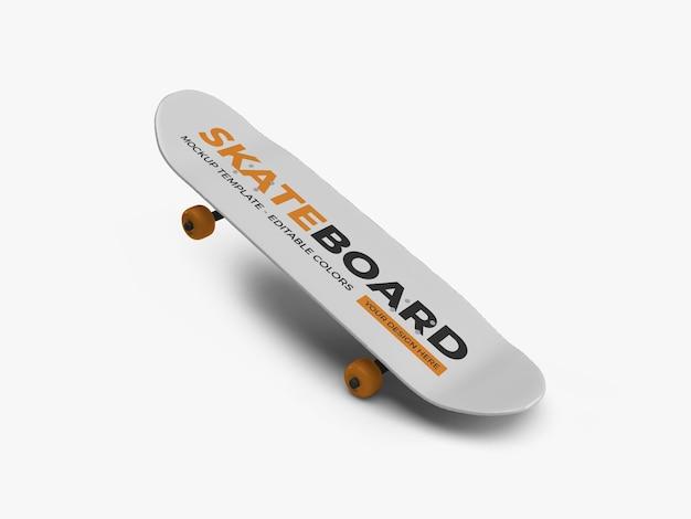 Skateboard mockup design isoliert