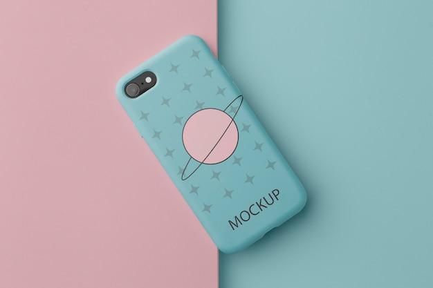 Smartphone mit hülle minimalistisches design-mock-up