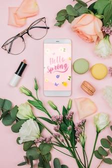 Smartphone-modell mit frühlingskonzept