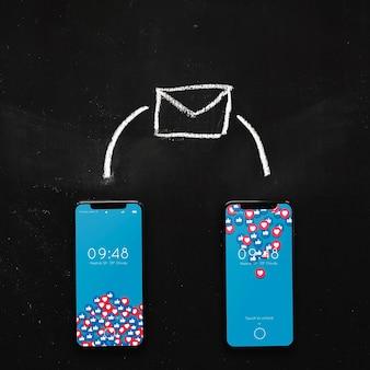 Smartphone-modell mit internet-konzept