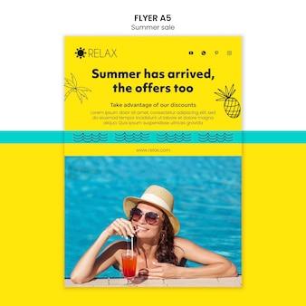 Sommer ist flyer vorlage angekommen