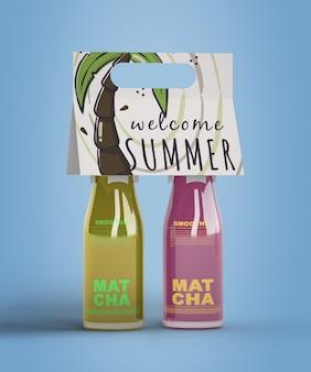 Sommer smoothies auf blauem hintergrund