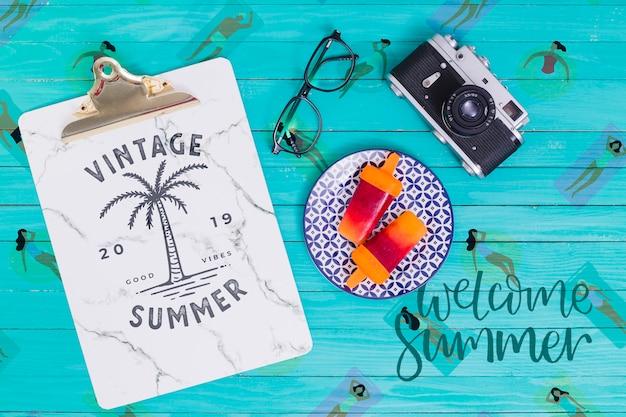 Sommerbeschriftungshintergrund mit eislutscher